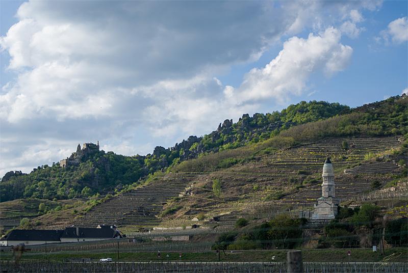 Blick zum Kriegerdenkmal
