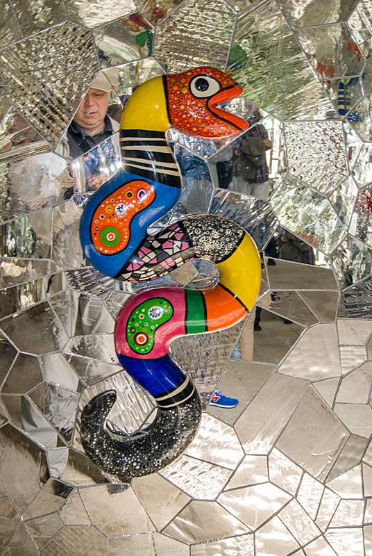 Niki de Saint Phalle Grotte 01